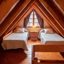 chambre double mansardée Appartement Dusina