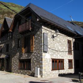maison typique aranaise Hôtel Pèira Blanca Arán Valley