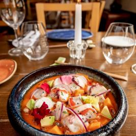 ceviche restaurant Es Arraïtzes proximity cuisine and peruvian fusion